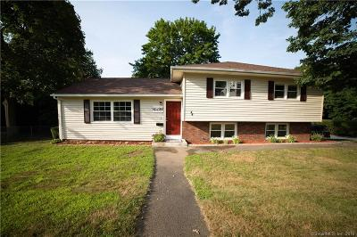 Watertown Single Family Home For Sale: 44 Colonial Street