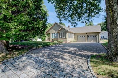 Wolcott Single Family Home For Sale: 35 Pratt Lane