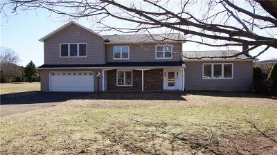 North Haven Single Family Home For Sale: 100 Arrowdale Road