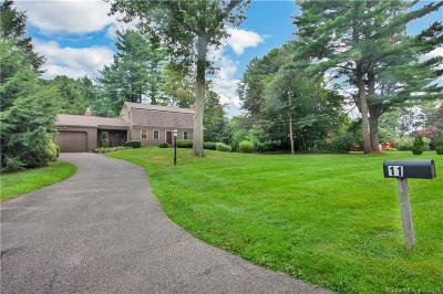 Trumbull Single Family Home For Sale: 11 Nuthatch Hill Road