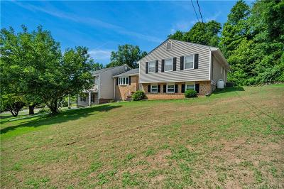 North Branford Single Family Home For Sale: 113 Holly Mar Hill Road