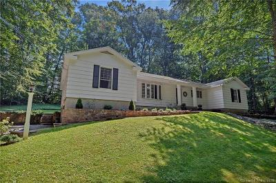 Branford Single Family Home For Sale: 32 Meadow Wood Road
