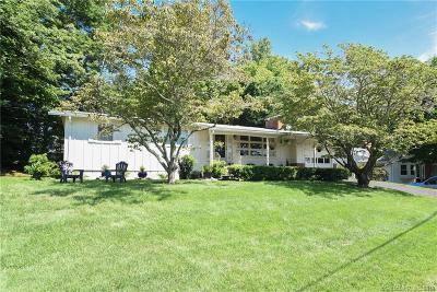 Norwich Single Family Home For Sale: 13 Deerbrook Road