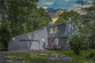 Burlington Single Family Home For Sale: 18 Wood Creek Road