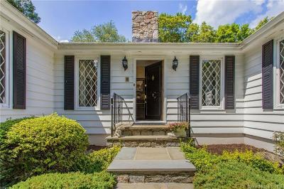 Norwalk Single Family Home For Sale: 2 Studio Lane