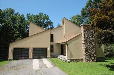 Trumbull Single Family Home For Sale: 121 Cranbury Drive