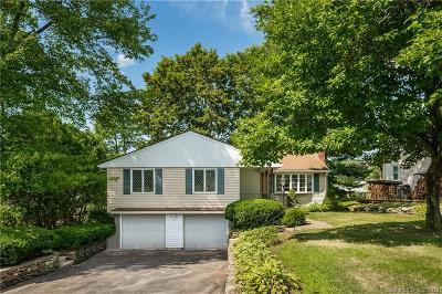 West Hartford Single Family Home For Sale: 30 Farmstead Lane