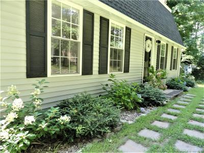 East Haddam CT Single Family Home For Sale: $315,000