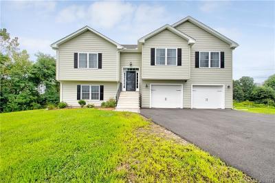 East Windsor Single Family Home For Sale: 5 Napoleon Drive