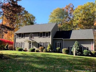 Farmington Single Family Home For Sale: 18 Great Oak Lane