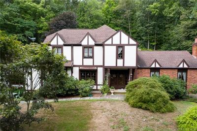 Middlebury Single Family Home For Sale: 9 Beacon Hill Road