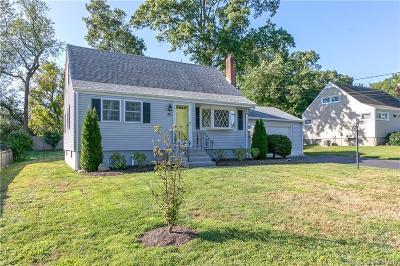 Fairfield Single Family Home For Sale: 75 Tuckahoe Lane