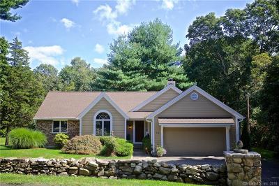 Norwalk Single Family Home For Sale: 114 Chestnut Hill Road
