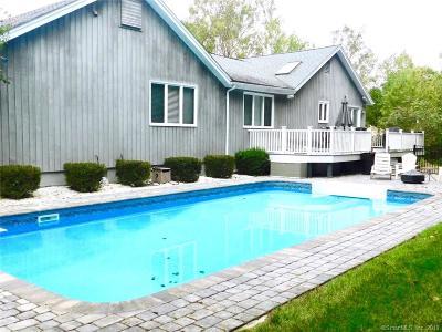 Shelton Single Family Home For Sale: 25 Mulberry Lane
