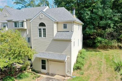 Middletown Condo/Townhouse For Sale: 4 West Meadow Lane #1