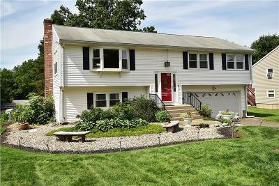 Newington Single Family Home For Sale: 73 Magnolia Street