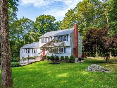 Weston Single Family Home For Sale: 24 Old Farm Road