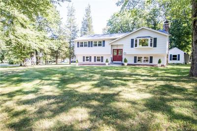 Wallingford Single Family Home For Sale: 16 Sharon Drive