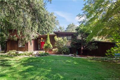 Norwalk CT Single Family Home For Sale: $725,000