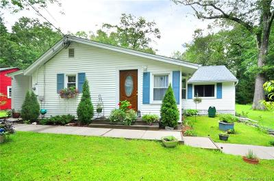 Coventry Single Family Home For Sale: 76 Knollwood Drive