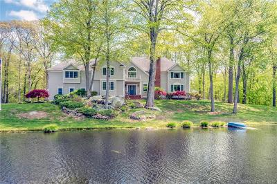 Trumbull Single Family Home For Sale: 50 Red Barn Road