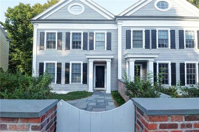 New Canaan Condo/Townhouse For Sale: 474 Main Street #North