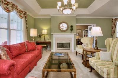 Newtown Condo/Townhouse For Sale: 13 Franklin Court #13