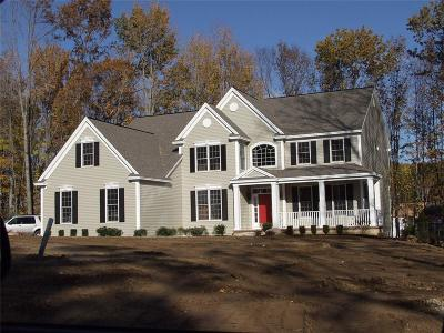Danbury Single Family Home For Sale: 13 Petersons Lane