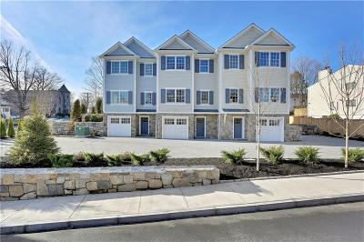 Greenwich Condo/Townhouse For Sale: 2 Nassau Place #2