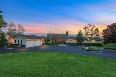 Trumbull Single Family Home For Sale: 126 Merrimac Drive