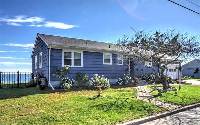 Milford Single Family Home For Sale: 183 Point Beach Drive