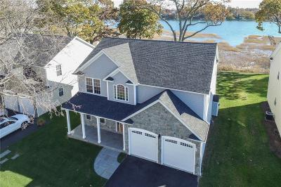 Stratford Single Family Home For Sale: 812 Housatonic Avenue Extension