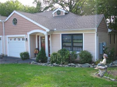 Orange Condo/Townhouse For Sale: 79 Red Cedar Circle #79