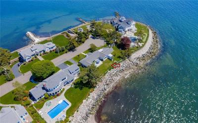 Milford Single Family Home For Sale: 121 Point Lookout