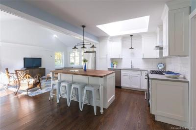 Ridgefield Single Family Home For Sale: 2 Highview Road