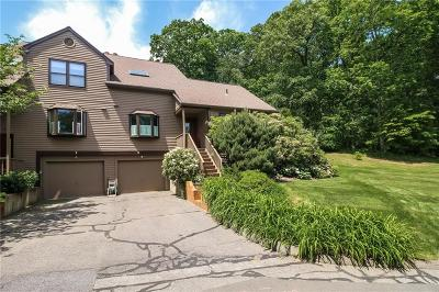 Monroe Condo/Townhouse For Sale: 9 Hollow Tree Lane #9