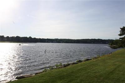 Milford Condo/Townhouse For Sale: 712 Popes Island Road #712