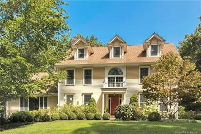 Stamford Single Family Home For Sale: 66 Wynnewood Lane