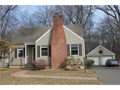 North Haven Single Family Home For Sale: 60 Pool Road