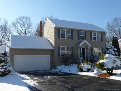 Naugatuck Single Family Home For Sale: 72 Nicole Drive