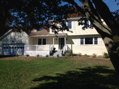 Waterford Single Family Home For Sale: 21 Whaling Drive