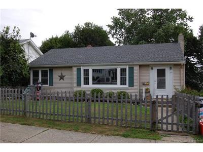 Groton Single Family Home For Sale: 37 Nicholas Ave