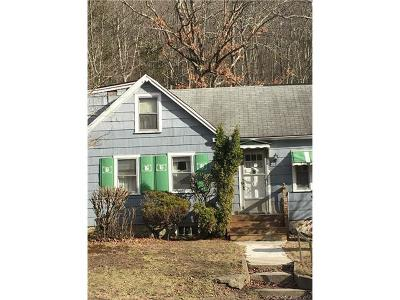 Plymouth Single Family Home For Sale: 173 Greystone Road