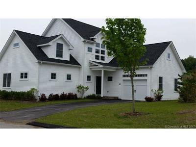 East Haddam Condo/Townhouse For Sale: 18 Mirror Pond Road #18
