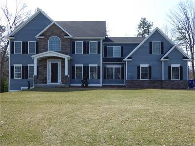 Southington Single Family Home For Sale: 160 Whistling Straits Drive