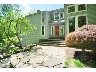 Simsbury Single Family Home For Sale: 153 Westledge Road