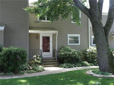 Southington Condo/Townhouse For Sale: 9 Lakeview Drive #9