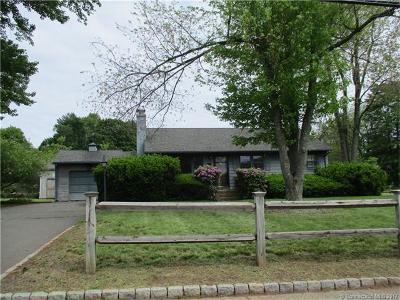 Newington Single Family Home For Sale: 54 East Robbins Avenue
