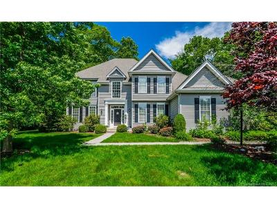Avon CT Single Family Home For Sale: $559,900