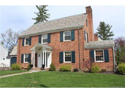 West Hartford Single Family Home For Sale: 385 North Quaker Lane